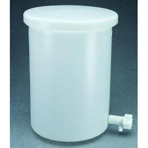 Lightweight Cylindrical HDPE Tanks with Cover and Spigot